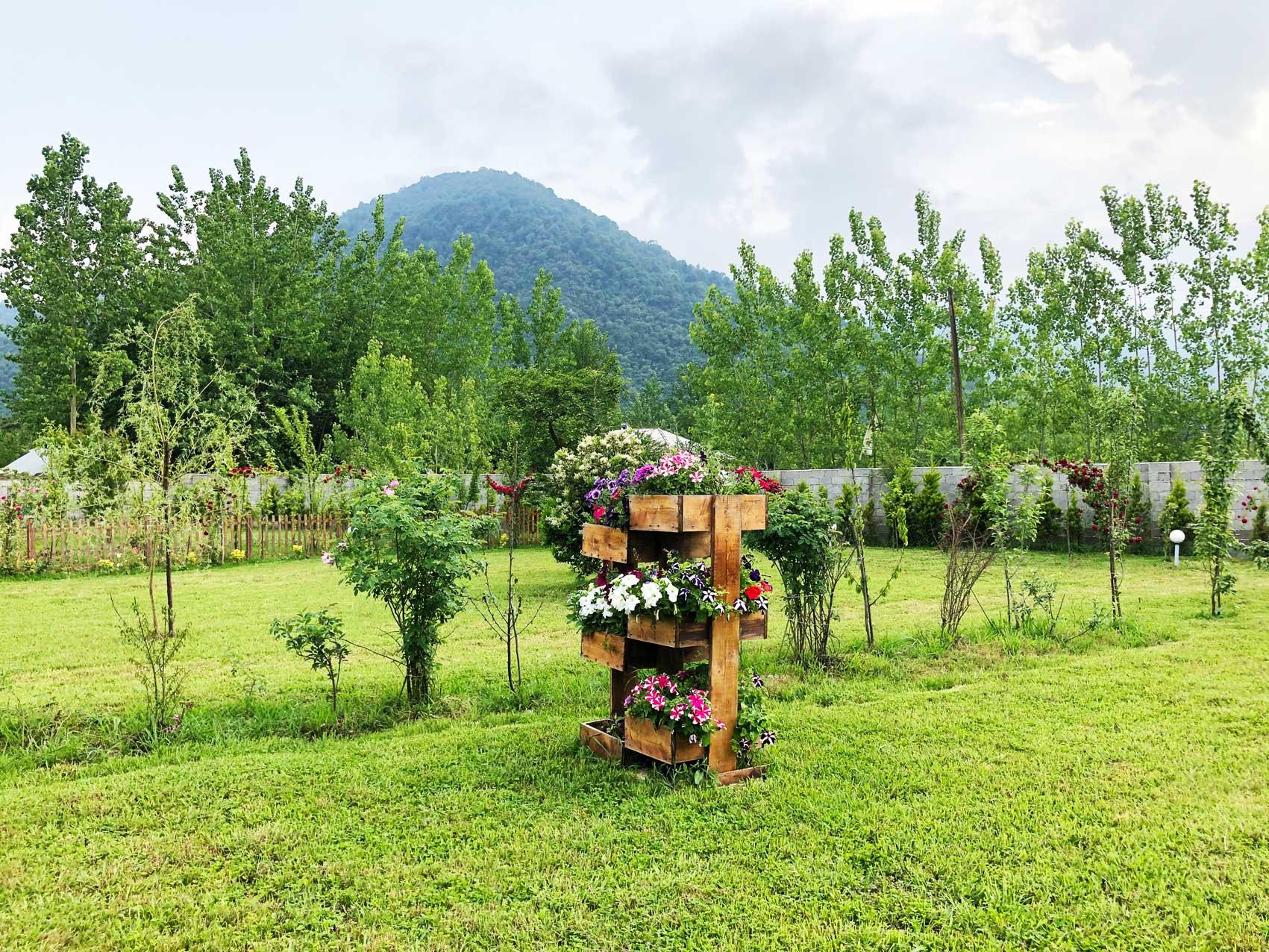 لحظاتی به یاد ماندنی در باغ سبز هتل راتینس ماسال
