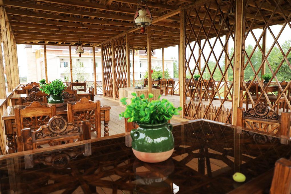 کافه سنتی راتینس