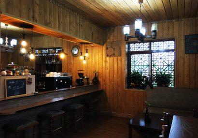 سرو فست فود در کافه سنتی راتینس گیلان
